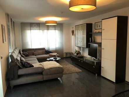 Helle, 4 Zimmer-Maisonette Wohnung