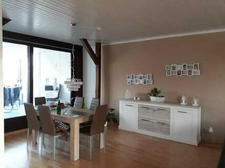 Gepflegte 4-Raum-DG-Wohnung am Park mit Dachloggia und Sauna in Lippe (Kreis)