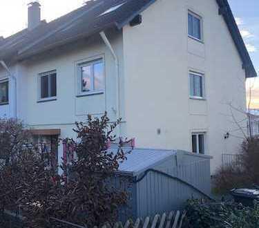 Heroldsberg, bildschönes Reiheneckhaus sucht neue, nette Bewohner !