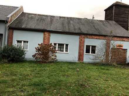 Preiswerte, gepflegte 4-Zimmer-EG-Wohnung mit Einbauküche in Karstädt