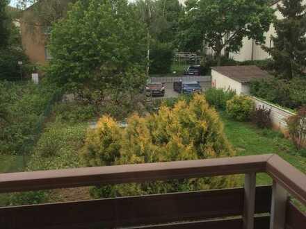 Vollständig renovierte 2-Zimmer-Wohnung mit Balkon und Einbauküche in Heidelberg