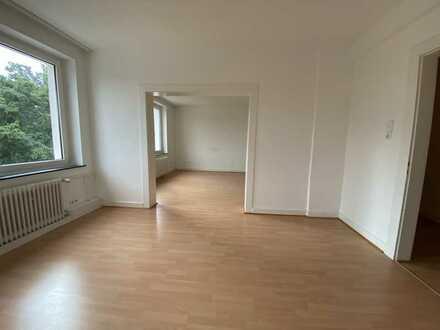 Schöne 4 Zimmer Wohnung inkl. Balkon & 2 Bäder