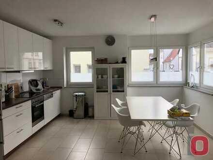 Frei ab Sept. 2019 - Charmante 3-ZKB-Neubau- Wohnung mit Balkon im 6-Familienhaus