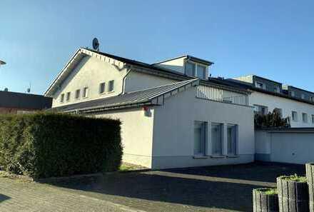 Modernes Zweifamilienhaus in Leverkusen-Rheindorf