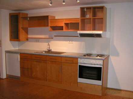 Freundliche 3-Zimmer Wohnung mit Einbauküche im hist. Ortskern von Lupburg