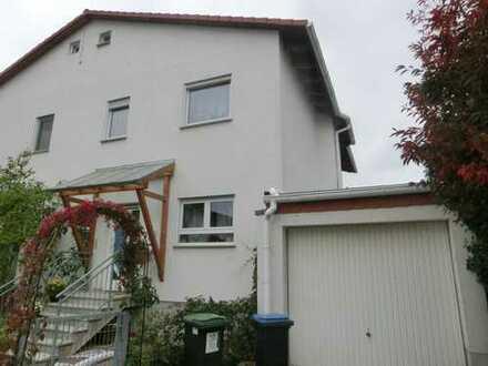 Doppelhaushälfte in beliebter Lage von Queichheim