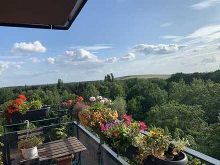 Schöne vier Zimmer Wohnung in Berlin, Rudow (Neukölln) mit Abstand 6000Euro