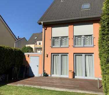 1.590 €, 160 m², 6 Zimmer