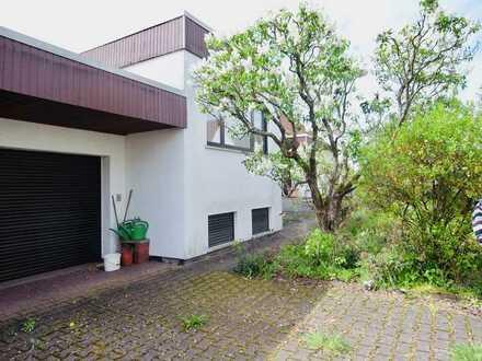 Exklusives Einfamilienhaus mit ELW und Doppelgarage