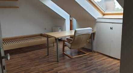 1-Raum-Studentenzimmer - ca. 35 qm - möbliert - 550,-- € warm und inkl.NK - Nähe zu RWTH/FH/HBF