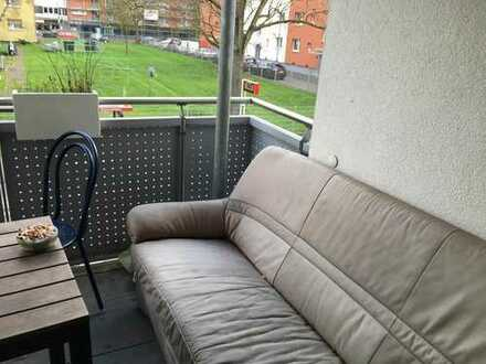 18 qm und Balkon !