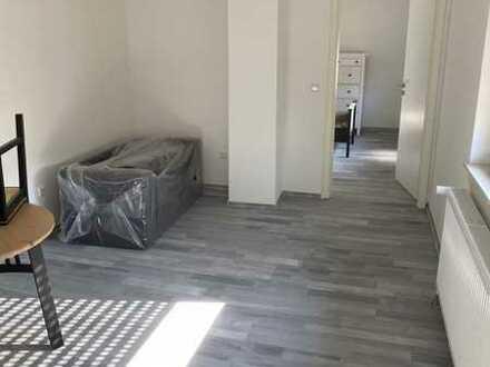 Neu Sanierte Wohnung in Zentrum mit Einbauküche