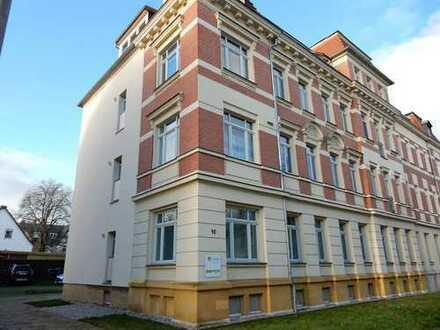 6-Zimmer-Hochparterre-Wohnung mit Balkon in Markkleeberg