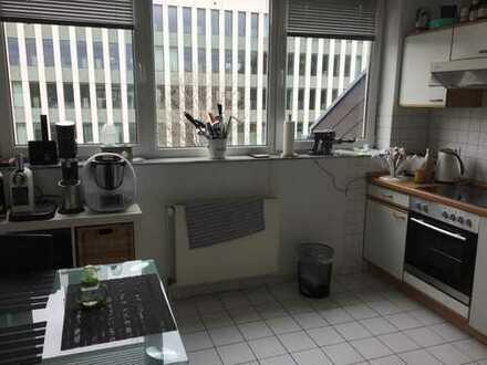 850 €, 106 m², 2 Zimmer