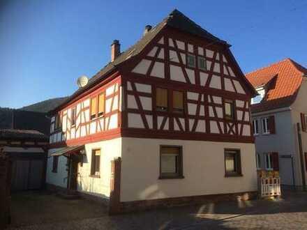Rarität im Herzen Bürgstadts! Fachwerkhaus mit viel Potential...