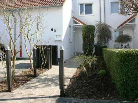 Großzügiges Reihenmittelhaus mit kleinem Garten in bester Lage in Rodgau-Dudenhofen