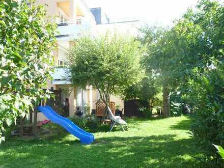 Familienwohnung mit großem, eigenem Garten