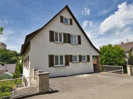 Älteres Ein- bis Zweifamilienhaus sowie Doppelgarage in ruhige, bevorzugter Wohnlage /Untergröningen