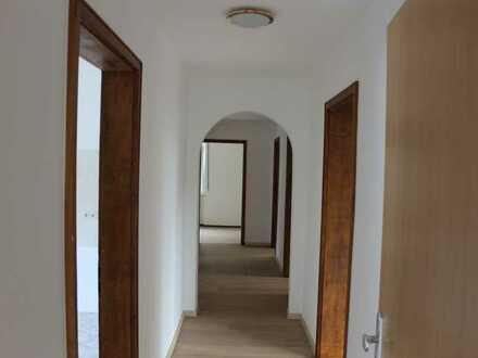 Sonnige 4-Zimmer-Wohnung mit Garage in Mühlstetten, Röttenbach, Kreis Roth