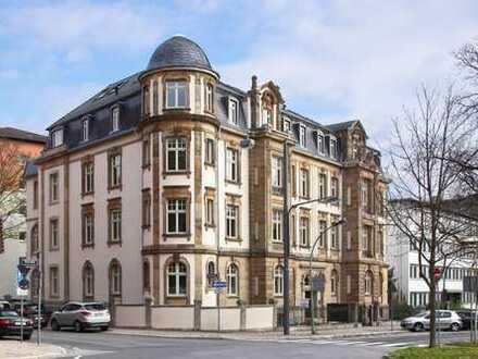 Traumhafte 3 ZKBB in restaurierter denkmalgeschützter Altbauvilla im Westend