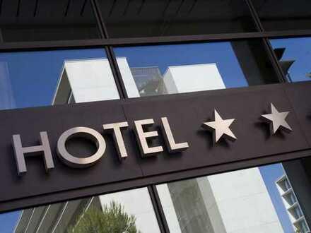 Viel Substanz für wenig Geld | Großes Hotel mit Potential nach Revitalisierung