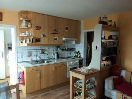 Modernisierte 1,5-Zimmer-Wohnung mit Einbauküche in Forkendorf/Gesees