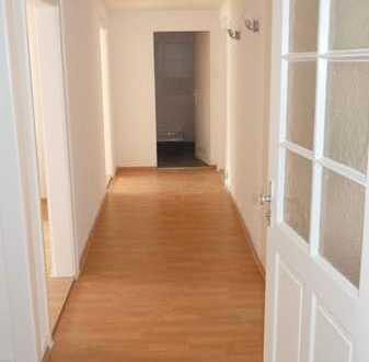 Helle 3 Zimmer Wohnung, Altbau