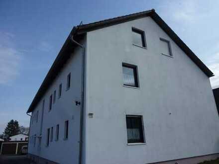 Dachwohnung im Grünen. Kleine Wohnanlage mit 6 Einheiten.
