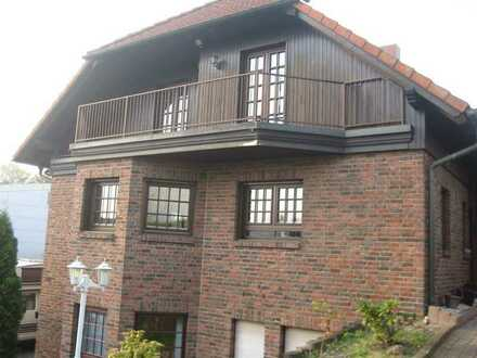 Ansprechende 4-Zimmer-Maisonette-Wohnung mit Balkon und EBK in Herten