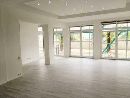 Knipfer´s Immobilienschätze - Großzügiges Apartment für Wohnen oder Büro mit TG-Stellplatz!
