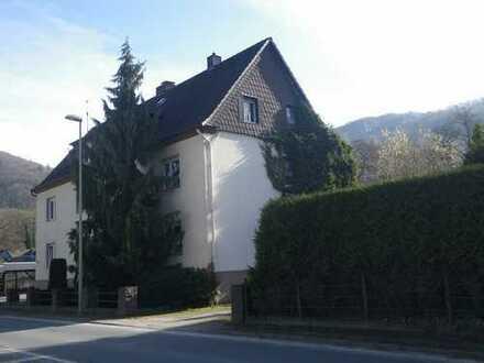 Dreigenerationenhaus mit Wintergarten und großem Grundstück