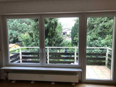 Freundliche 4-Zimmer-Wohnung mit Balkon in Karlsruhe Weiherfeld
