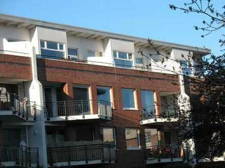 Schöne 3 Zimmerwohnung, neue EBK, Vollbad in Neu-Allermöhe-West