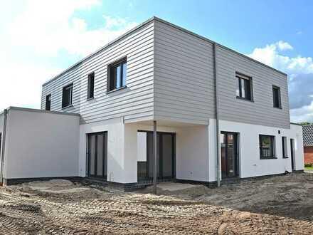 Beeindruckende Neubau-Doppelhaushälfte mit Gartenbereich u. moderner Einbauküche in Bad Zwischenahn