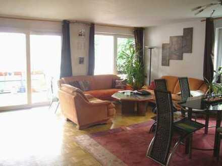 Attraktive 4 Zi. Wohnung mit Balkon in Seniorenanlage