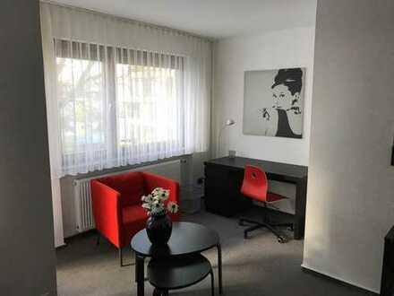 Stilvolles Zimmer mit großem Westbalkon (5), 2 Minuten zur Straba