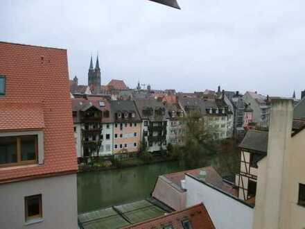Altstadt: Hier erfüllen sich Ihre Wohnwünsche! 2-Zi-Galerie-Whg, Balkon, 3. u. 4. OG