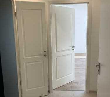 Erstbezug nach Grundsanierung: Sonnige 2-Zimmer-Wohnung mit hochwertiger EBK