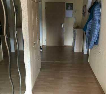 3 Zimmer Dachgeschoß Wohnung im ruhigen Privathaus
