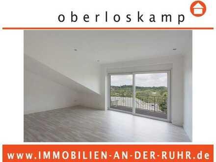 Helle 3-Zimmer-Dachgeschosswohnung mit 2 Balkonen, Aufzug und Stellplatz in Ruhrlage in Mülheim!