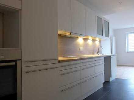 Sanierte 2-Zimmerwohnung mit Einbauküche und Balkon im Herzen von Fleestedt