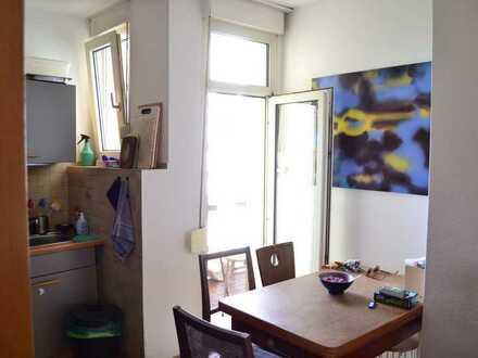 3-Zimmer-Wohnung mit Balkon und EBK im Heusteigviertel