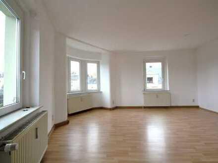 +++ Helle 3 Raum Wohnung im Dachgeschoss +++