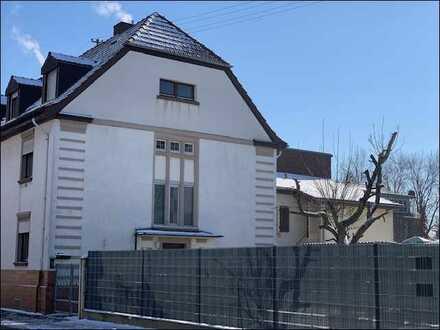In sehr guter Lage von Eppelheim - Dreifamilienhaus mit Anbau viel Potenzial!
