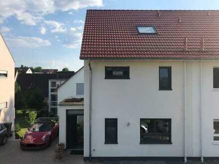 Wohnen auf Zeit, schöne Doppelhaushälfte in Hirschberg