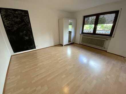 Gepflegte 2-Raum-Wohnung befristet, Aug-Dez.2021 mit Einbauküche in Linkenheim-Hochstetten