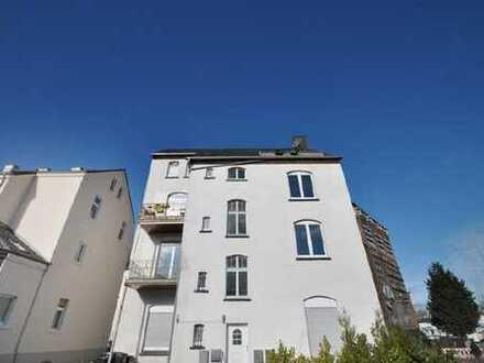 L'dreer Markt: Altbauwohnung mit Charme !