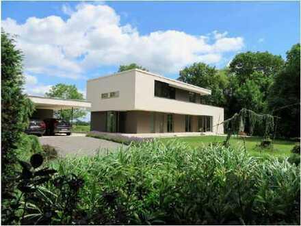 Bild_Einzigartige Architektenvilla!