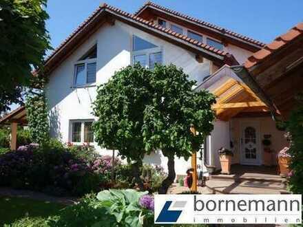 Im Fränkischen Seenland! Generationenhaus mit Schwimmteich, Top-Ausstattung + Doppelgarage!