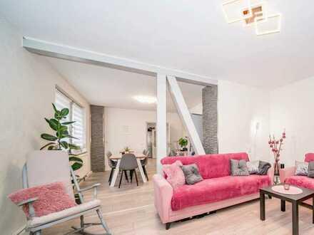 Große helle Wohnung mit Garten nahe Schulen und Einkaufsmöglichkeiten - 5 Zimmer 121 qm